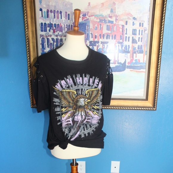 7afca4553ef44 NWT Forever 21 Vanhalen Lace up tee Large